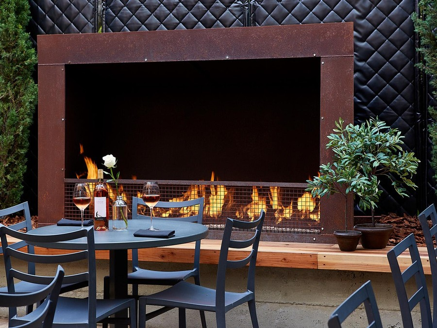 Cultivar SF outdoor patio with fireplace